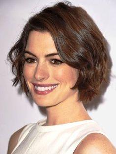 Short Haircuts For Wavy Hair