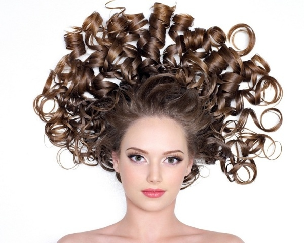Know About The Most Beautiful Cute Updos for Curly Hair