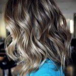 haircuts-medium-wavy-hair-16