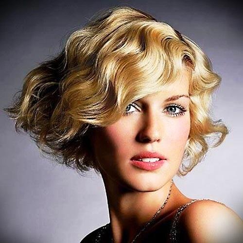 short-blonde-curly-hair-16