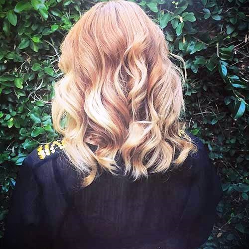 short-blonde-curly-hair-30