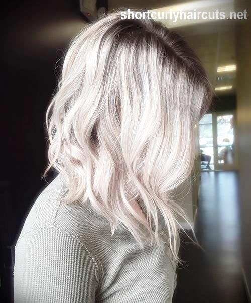 short-hairstyles-for-thick-wavy-hair2