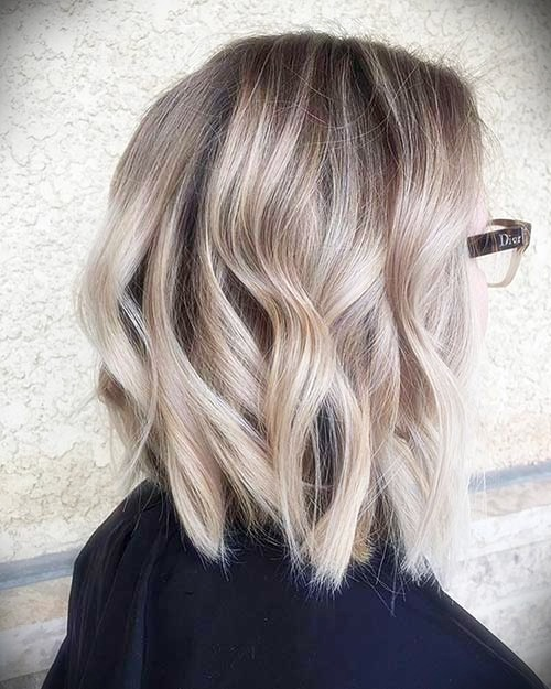 short-hairstyles-for-thick-wavy-hair4