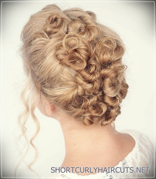 curly-hairstyles-2018-13
