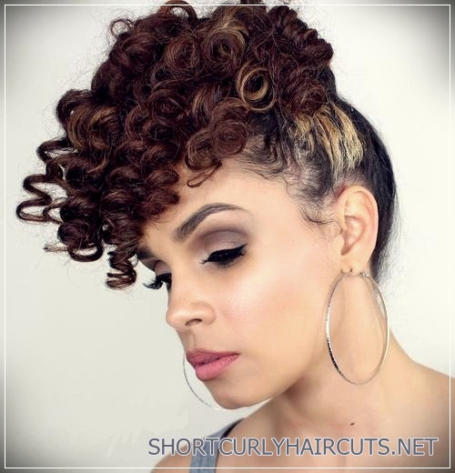 curly-hairstyles-2018-21