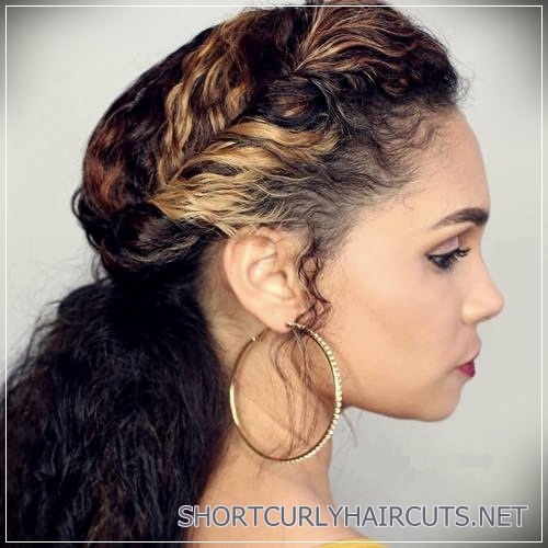 curly-hairstyles-2018-32