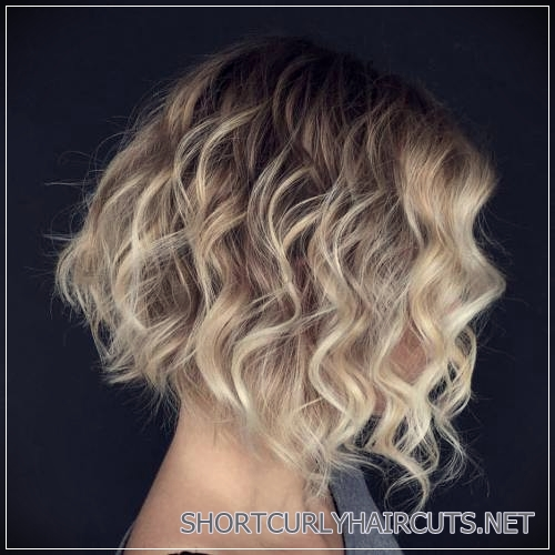 curly-hairstyles-2018-34