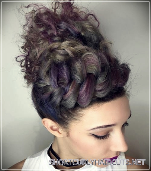 curly-hairstyles-2018-6