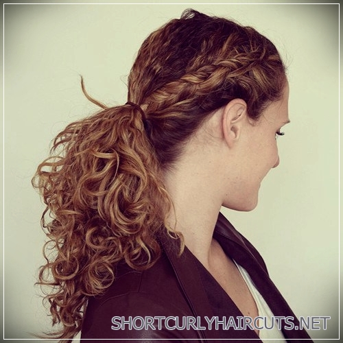 curly-hairstyles-2018-9