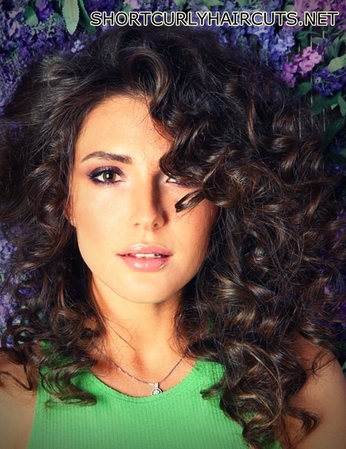 layered-hairstyles-curly-hair-11