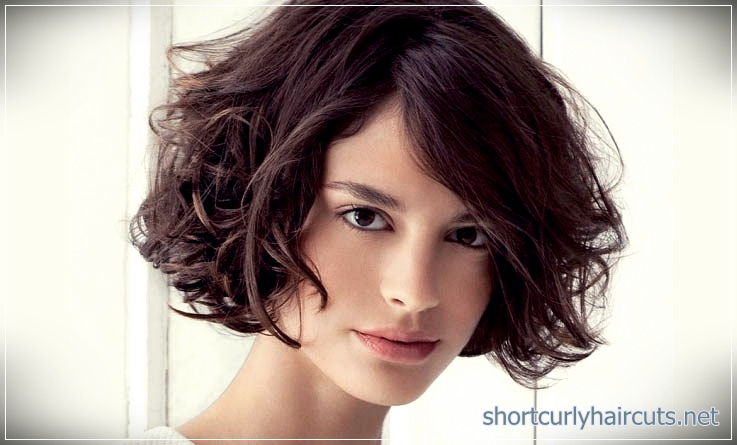 curly short hairstyles women 2018