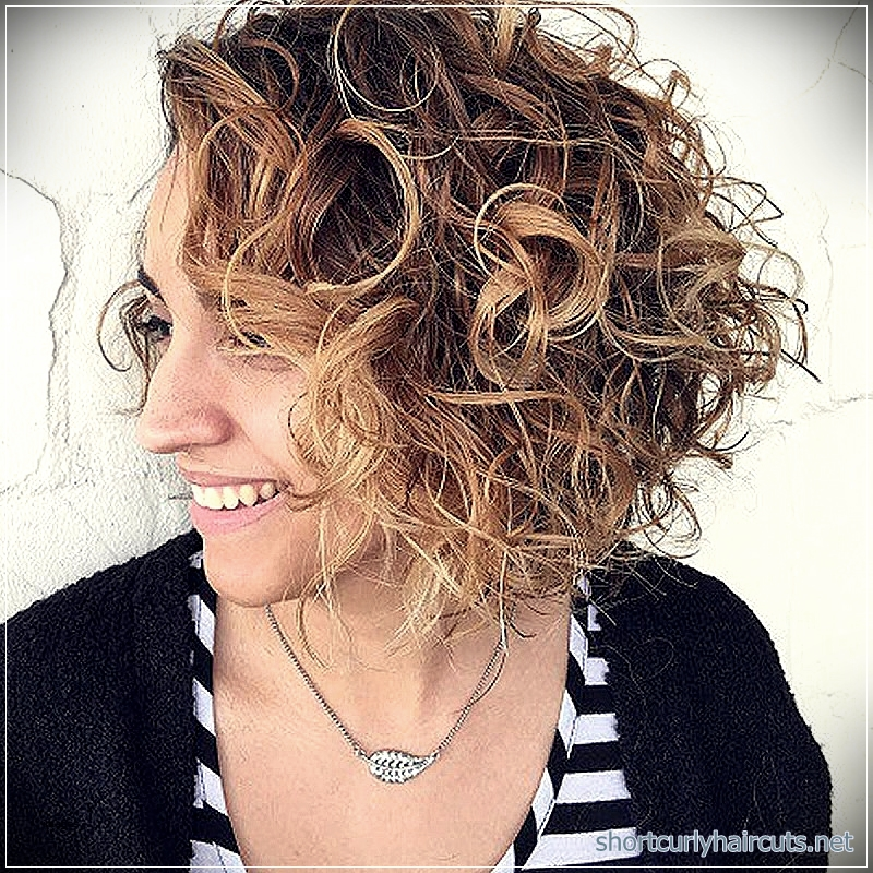 curly-short-hairstyles-women-2018-2