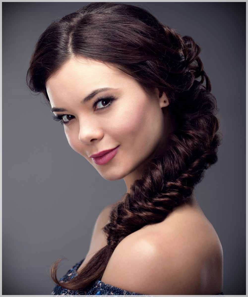 Hairstyle with side braid