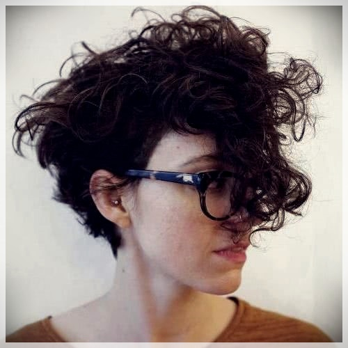 Curly Or Wavy Haircuts 2019 Short And Curly Haircuts