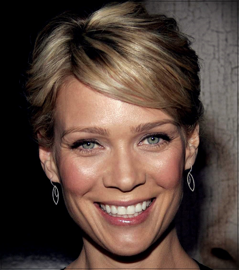 Laurie Holden Pixie cut long face