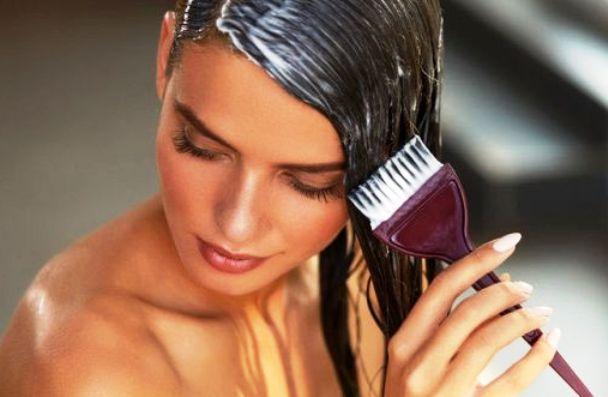How to lighten hair naturally?