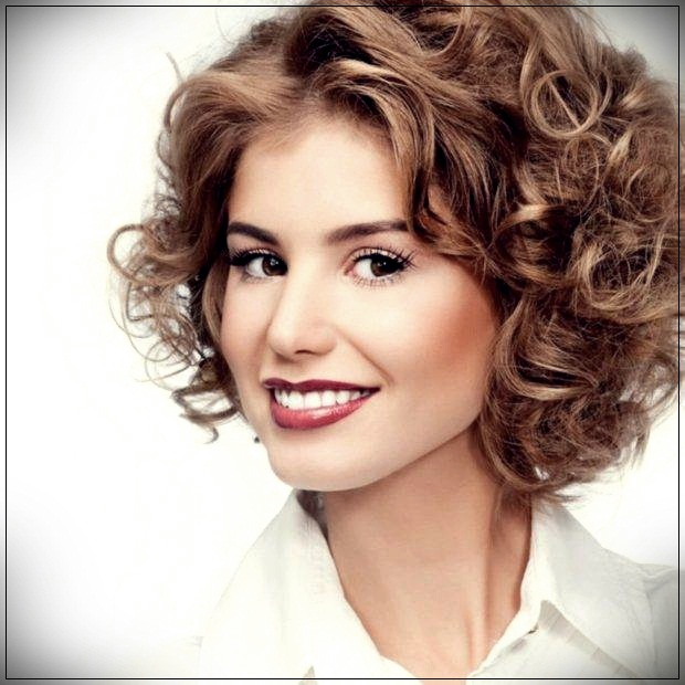 Short Hairstyles For Curly Hair Women 77