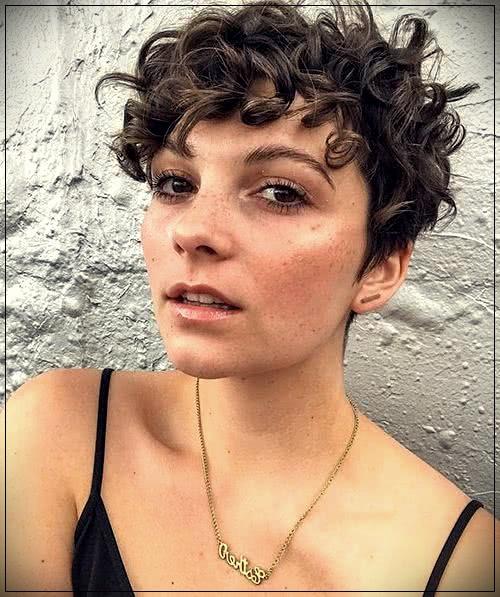 35 Curly Haircuts 2019