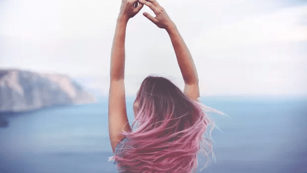 How to protect hair color in summer