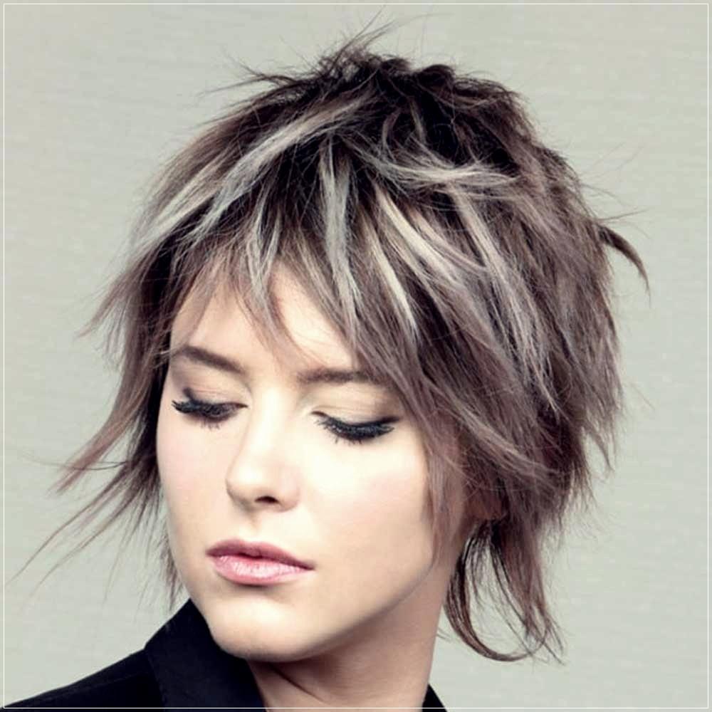 180+ Short Haircuts 2020 Spring Summer TrendsShort and ...