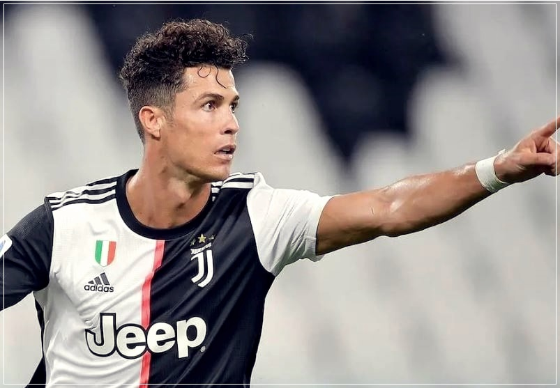 Ronaldo S Hair From Curls To Jaunty Pigtail